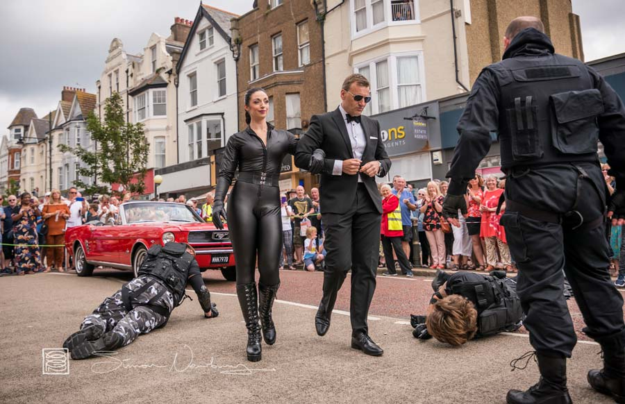 Bond and the Stunt Action Specialists